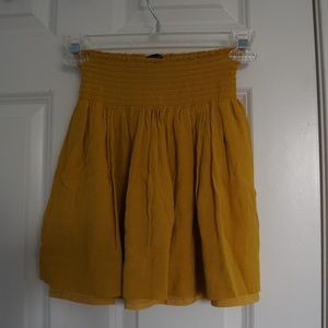 Banana Republic mustard yellow mini skirt